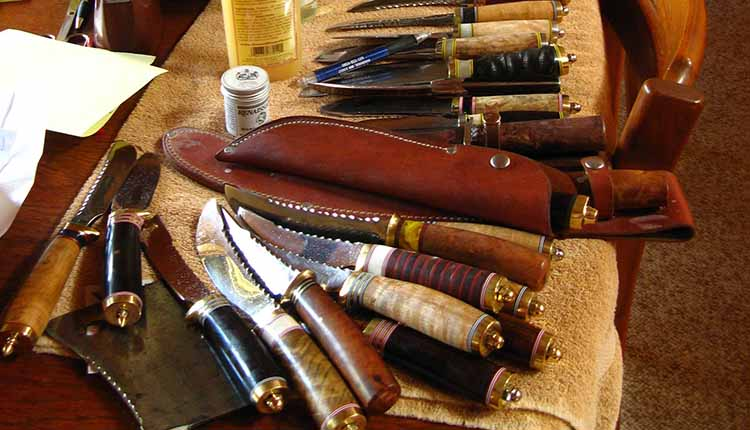 Picking The Best All Around Hunting Knife